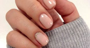 Make finger nails yourself, long sleeves, short nails in beige, small rhinestones ...