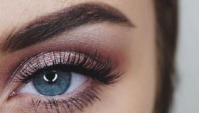 eye make up instructions, blue eyes, festive make-up in rose gold