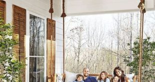 Cool 99 Stunning Rural House Porch Decoration Ideas. #