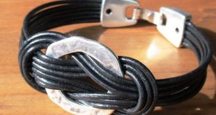 Leather bracelet with knot with silver beads. A jewelry of every day! Cool it ...