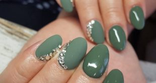 Nail designs to match your social media personality