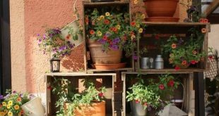 Rustic spring porch decor ideas to bloom your home #dekor #f ...