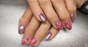 Glitter & Roses in purple I like it when customers share their ideas  wod