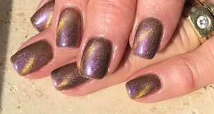 gold lavender nailstyle