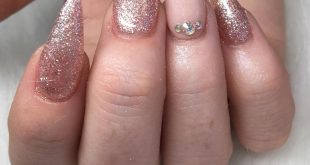 Every body needs a bit of Rose Gold Sparkle in their life! Nails for  today usin