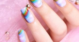 Do you like the lines on this nailart? You can also create your own lines by thi