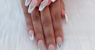 Can you believe it's Friday? Come get your nails done by muah