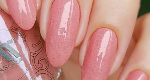 Definitely a cool shade that goes to everyone. I love such universal varnishes,