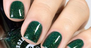Green is not my favorite color in manicure, but I really like these varnishes!