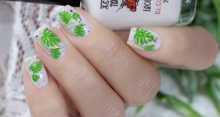 Already everyone has designs in profiles with these wonderful leaves of monstera ... and me