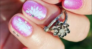 I am here to dazzle you with this manicure . Super sparkly base is  Hot Blink, t