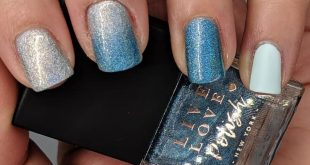 This is a lovely mani   did for  fourth August theme: Favorite polish  P. S. Inv