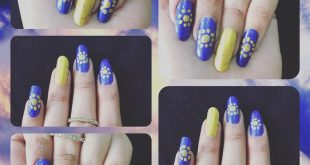 Golden nail blue nail golden dotted flowers