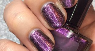 Next up in my  swatches is this amazing multichrome Vesper. Read my review on