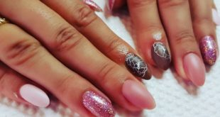 SOFT PINKS  Acrylic nails with a soft matte pink gel polish palette, sparkles a