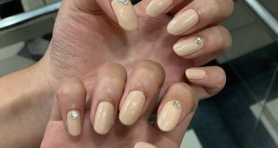 Simple nude nail