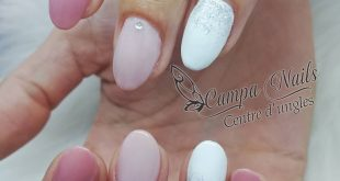 Acrylic nails with semi-permanent nude tones