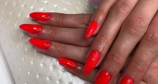 Gel on the natural nail plate