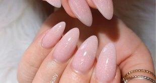 Natural warm pink & fairy dust . . Nail Artist: Katy