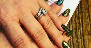 Olive green coffin acrylic nails by T with gold foils and flakes glitter