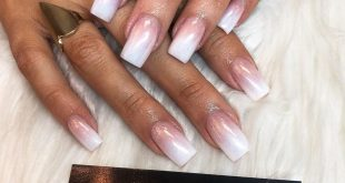 The amazing Aurora Chrome ombré set is the hottest summer trend