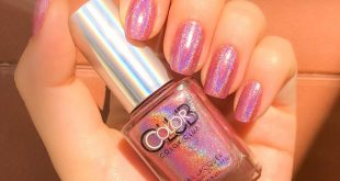 This is a swatch for color clubs Miss Bliss holographic polish  It really remind