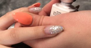 I wanted to show the magical moment of putting top coat on top of a glitter inla