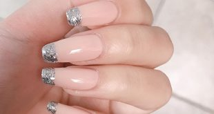 CLIENT  - Slowly easing our way into the festive holiday nails  WALK-INS ARE ALW