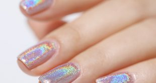 Light Sensitive Holographic Polish,different angles and lights show different co