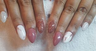 Sometimes you just need a touch of glam on a snowy day, nails by Tara . . . . .