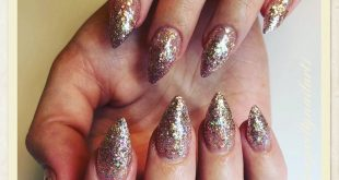 Yaaassss live this sparkly look   &  from