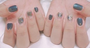 Beautiful nail with . . Gel paint 90k / set Very good nail gel paint 120k / set Oxygen estemio paint