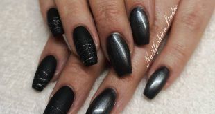Charcoal from and black in matte with silver spider gel Return visit - Simple