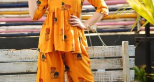 *Crop top With Plazo pant*   *Fabric - Rayon*   *Size - 38,40,42,44*   *Price -