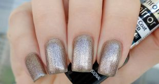 Delicate shine in a shade of 6302 from the line of gel varnishes Chome mirror)) Two seconds