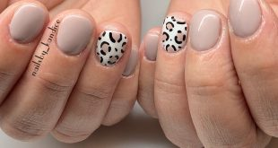 Never stopping with the leopard print! These are the perfect neutral nails!