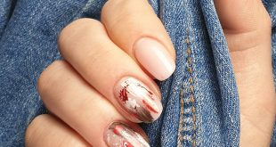 Aftertreatment artificial nails with acrylic . .
