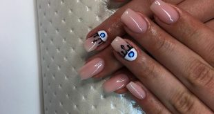 Gel on the natural nail plate from hybrid gel-