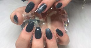 Shiny gray nails in ballerina shape - 20% discount on everything until June 10th, 2019 -