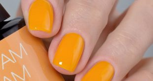 Tangerine dream Yellow jelly, a very unusual texture for the gel. Very ponr