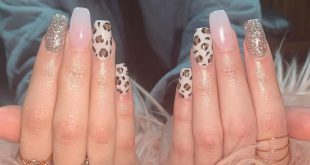 Check out these pretty cheetah nails! Anyone looking to get nails for thanksgivi