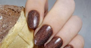 Oh, how I love chocolate lacquers! Yes, for the enchanting confectionery associations.