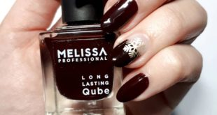 Gold snowflakes . .   Stamping plate:    . . .