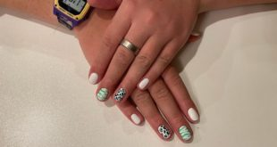 did these awesome nails yesterday i love them > > > > >