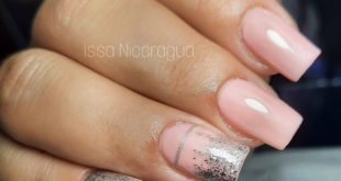 Show off your delicate and well-groomed nails!
