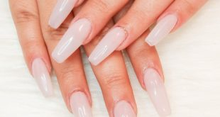 The PERFECT pale pink nails for this beauty with a touch of ROSE gold      . .
